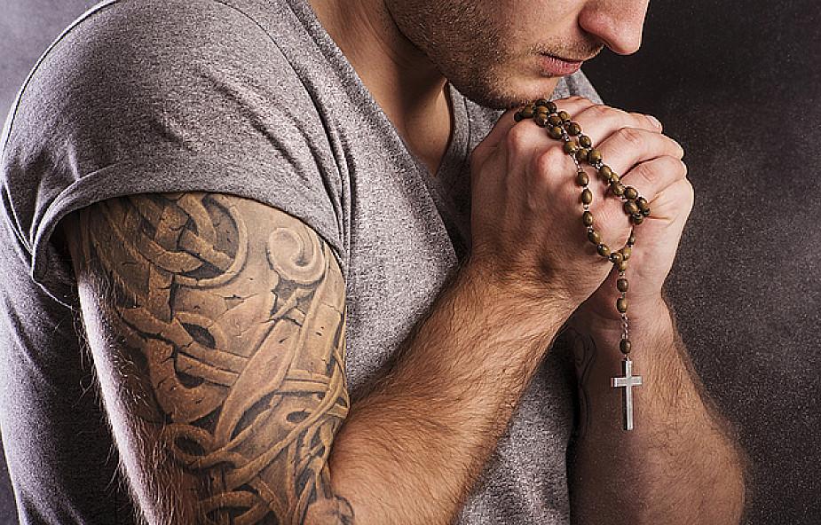 Watykan Otrzymał Maszynę Do Usuwania Tatuaży