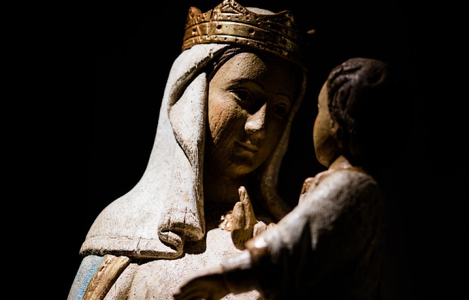 Ta modlitwa przeprowadzi Cię przez największe życiowe ciemności