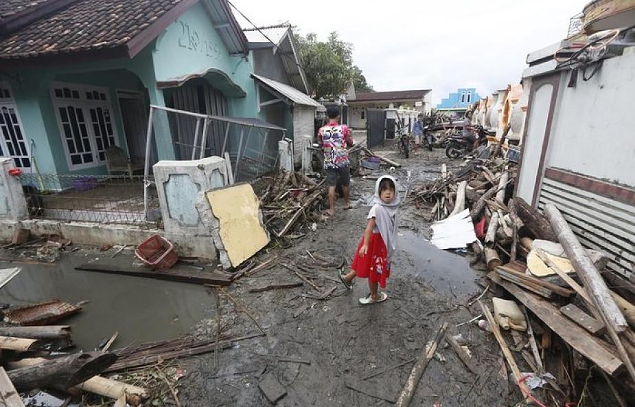 Indonezja: co najmniej 429 zabitych, blisko 1,5 tys. rannych po tsunami