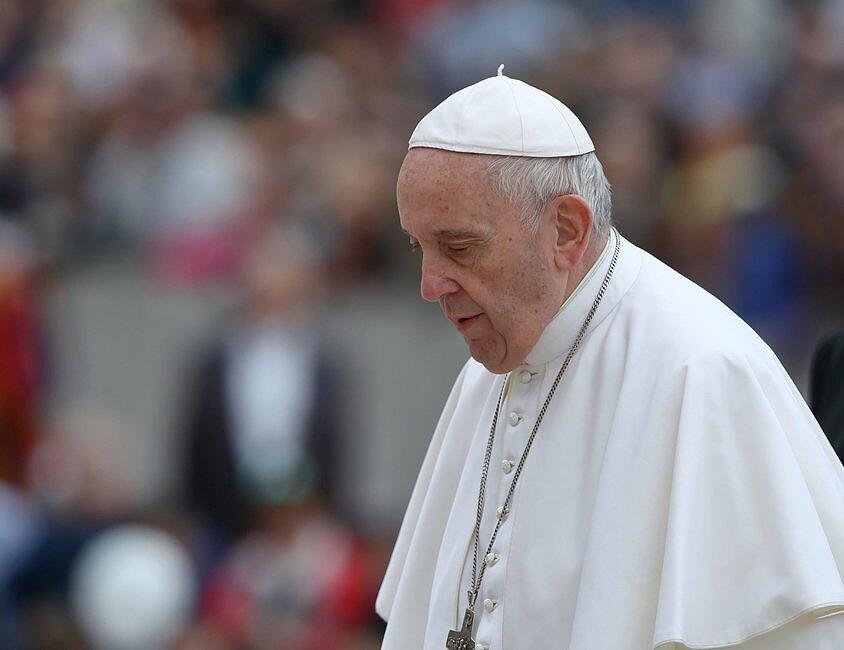 Papież wyraził zgodę na obejrzenie całunu uczestników Taizé w 2020 roku