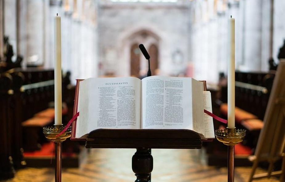 Komisja Episkopatu omawiała kwestie języka liturgii i mszy w telewizji