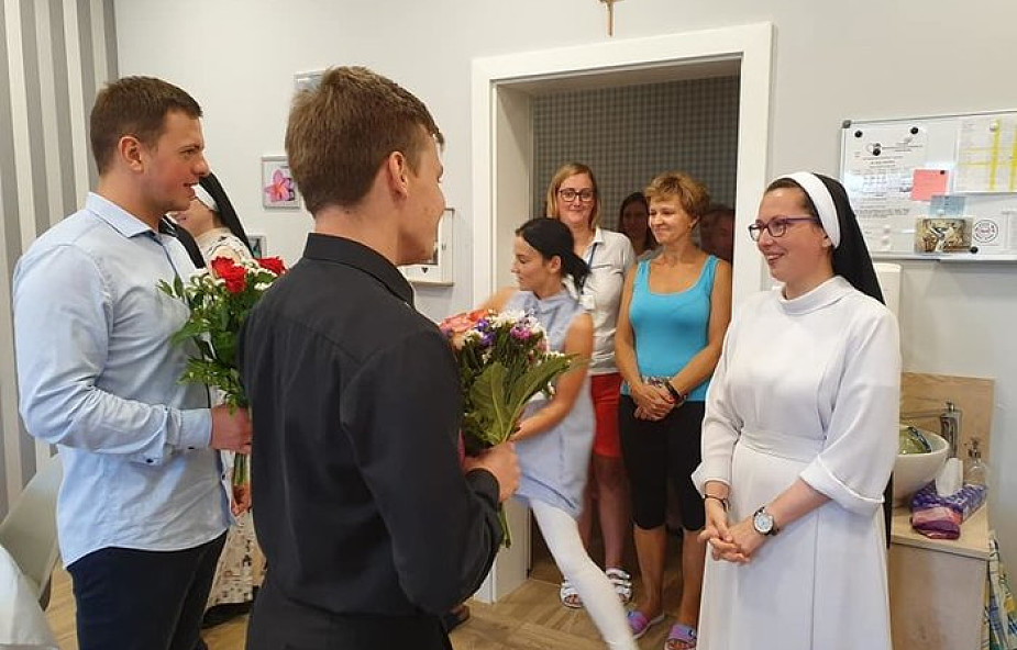 """W Broniszewicach siostrom pomagali klerycy. """"Ujmowali nas swoją ofiarnością"""""""