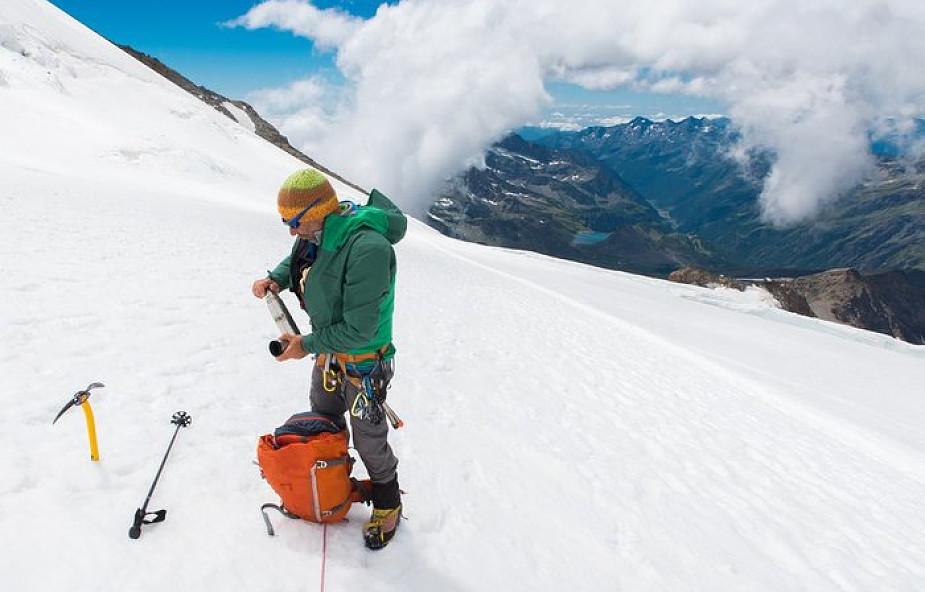 Jak bezpiecznie wędrować po górach? 8 zasad, które mogą ocalić życie